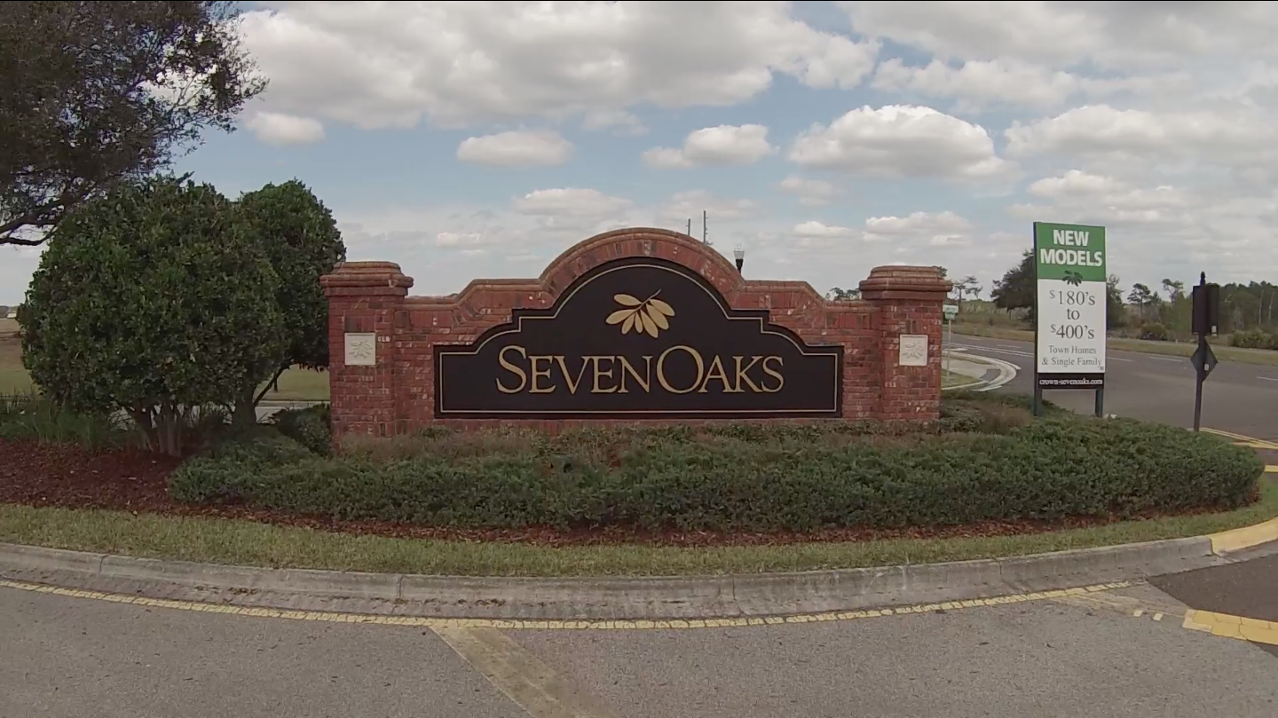 seven-oaks-entrance-sign