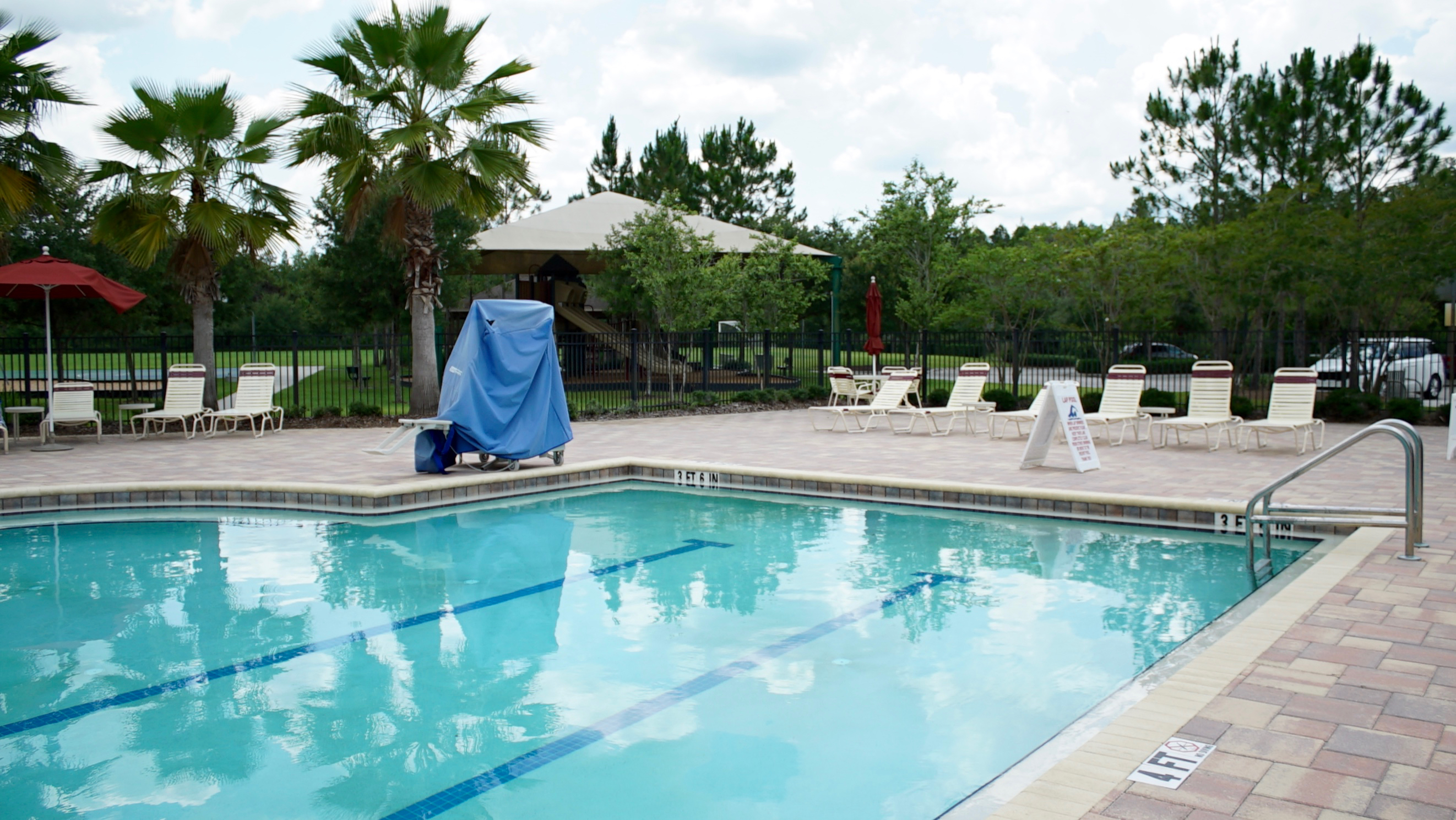 Country walk wesley chapel country walk real estate for Walk in swimming pools