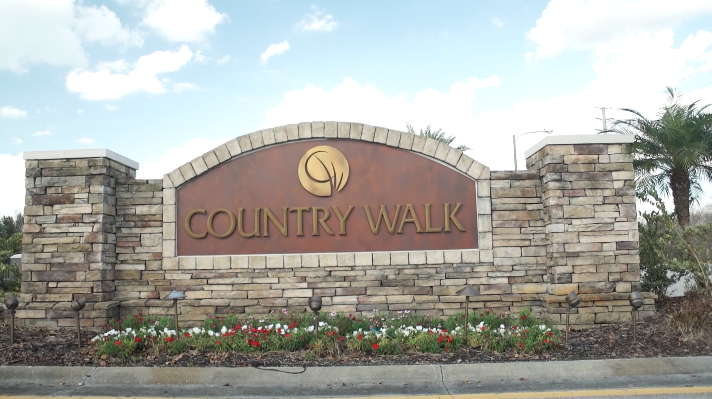 Country Walk Entrance Signl